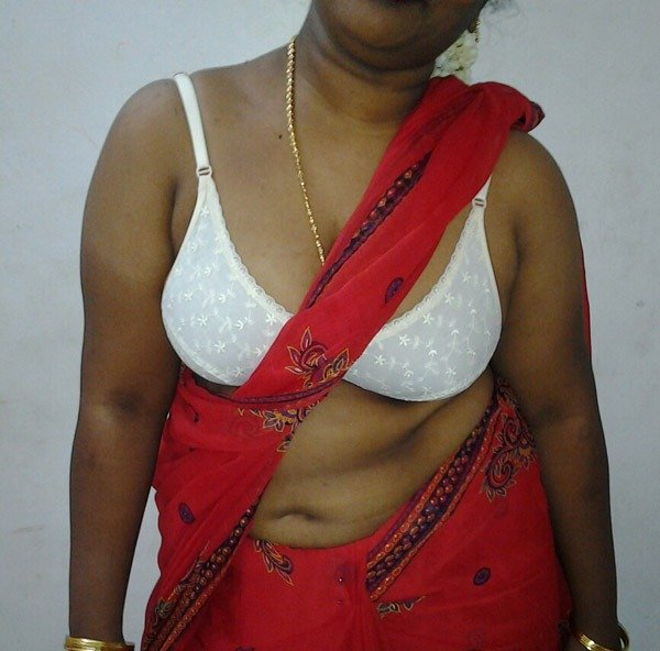 Mallu aunt ke bade boobs