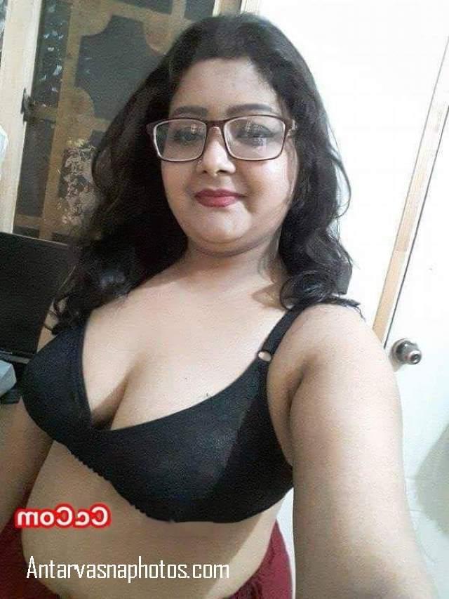 chubby nude delhi girl