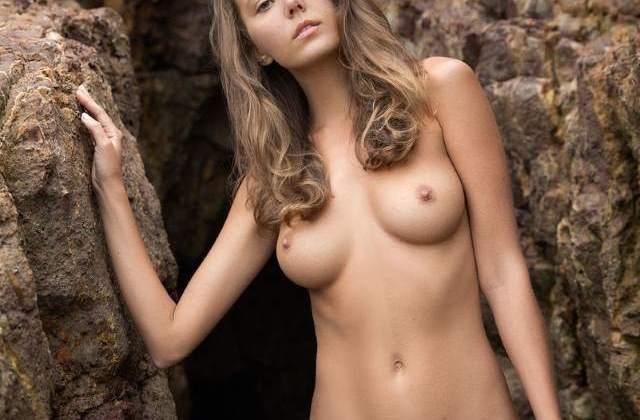 hot girl tapsee big boobs