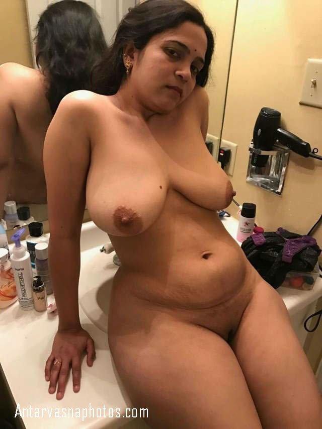 sexy padosan aunty bathroom me nangi