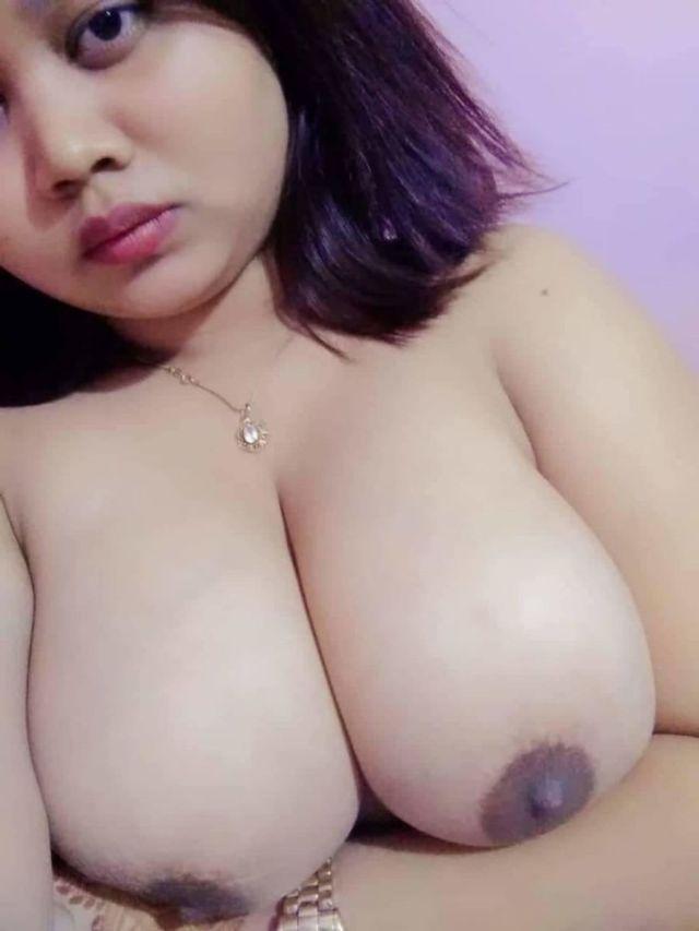 juicy big boobs dikhati masoom desi girl