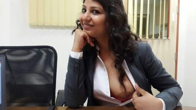 office se boob dikhaya