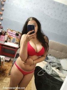 sexy indian girl ki red bra me hot photo