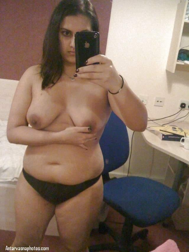 indian aunty ki jawani kali panty me