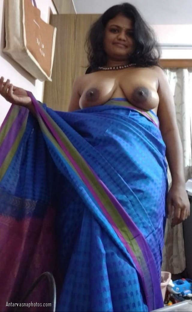 saree me sexy indian bhabhi