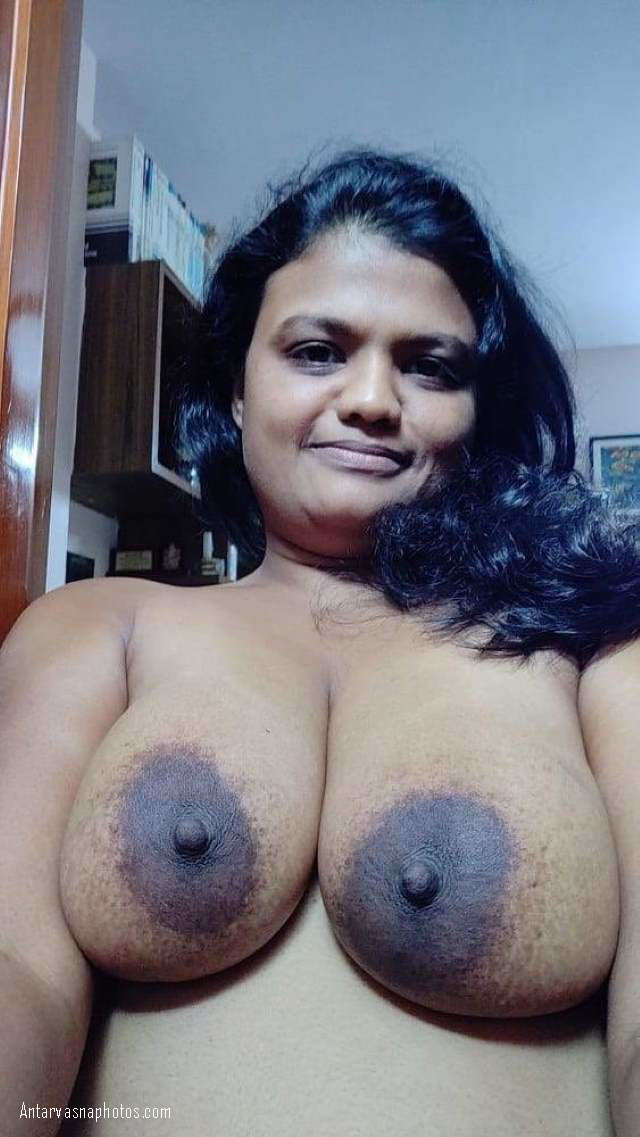 sexy indian bhabhi ke balloon jaisi big boobs ki photo
