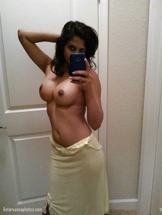 sexy pose me chuchi
