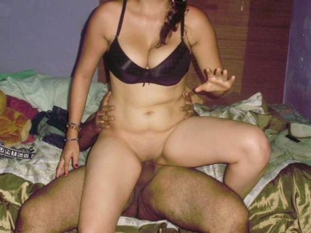 indian couple hot sex ka maja lete hue