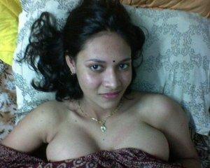 sexy jawan bhabhi bed me