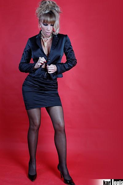 Francesca Felucci Blonde Or Black? 00
