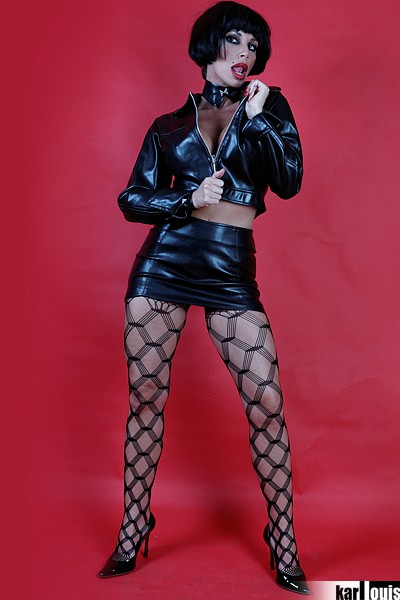 Francesca Felucci Blonde Or Black? 01