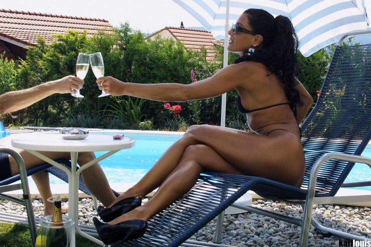 Elizabeth Carson - Casting Bikini Black