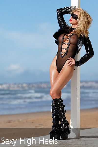Francesca Felucci Beach Club Boots 04