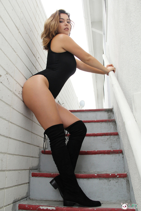 Lex shows off her curves in a leotard