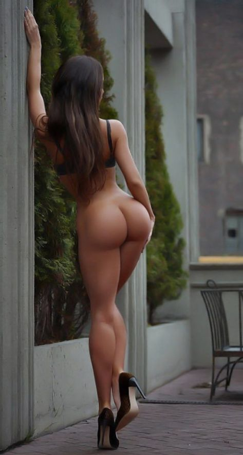 https://i2.wp.com/sexyphoto.es/wp-content/uploads/2016/09/Perfect-ass-at-street-547x1024.jpg?resize=473%2C885&ssl=1