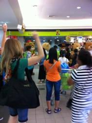 There were people in bear costumes so it was only natural for me to join in the excitement!!!!!