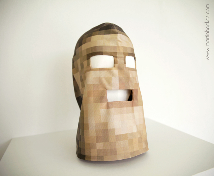 Pixelhead Limited Edition Mask – Martin Backes - art masks (3/4)