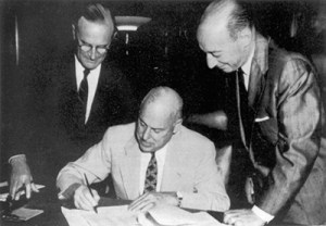 Eisenhower_signing_Highway_Act.jpg