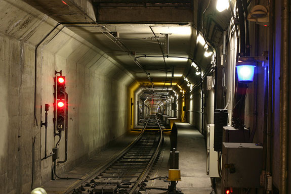 A problem with signal cables being torn by sander hoses on the trains is one reason for all the recent Muni Metro delays. Photo: ##http://www.flickr.com/photos/timmy/4598573869/##Timmy Denike##