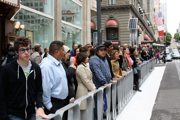 Powell Street Promenade Enlivens The Heart Of San