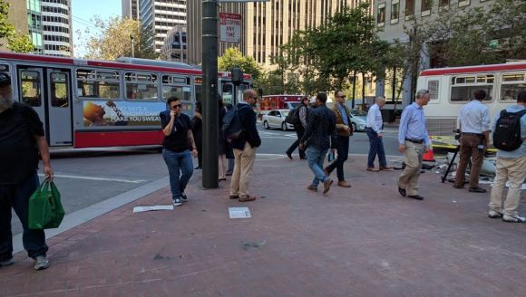 Lining the tip of the corner or Market and Sutter would help stop a car from intruding onto the sidewalk and serious injuring people. Photo: Streetsblog.