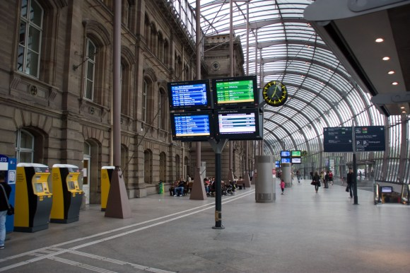 The French expanded the footprint of Strasbourg Station while preserving the historic frontage. Lessons here for Diridon in San Jose? Image: Wikimedia Commons
