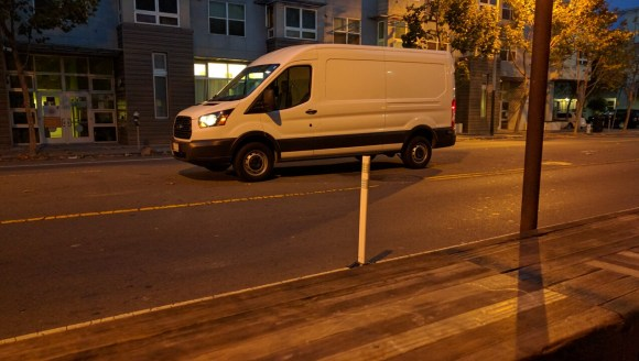As this truck demonstrated, there is room on Valencia for deliveries without blocking the bike lane or the car lanes. Photo: Streetsblog.