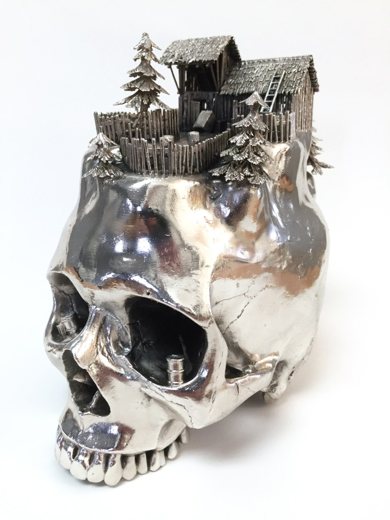 Frodo Mikkelsen, untitled (skull #5), 2018, silver-plated mixed media