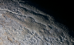 pluto mountains