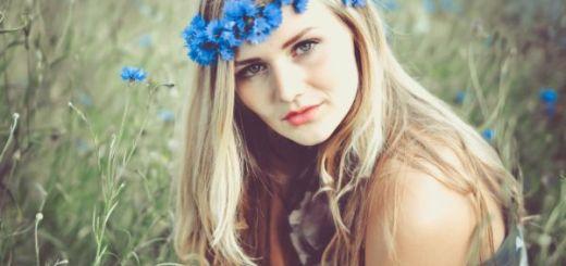 Cum-sa-fii-frumoasa-cu-flori-de-albastrele-Remedii-pentru-un-ten-luminos-si-ochi-fara-cearcane