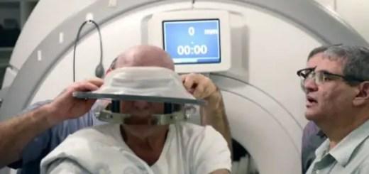 39-de-persoane-vindecate-de-Parkinson-cu-casca-minune