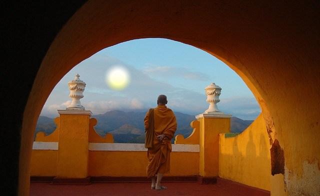 cele-mai-interesante-5-exercitii-tibetane-care-iti-reechilibreaza-organismul-si-te-intineresc