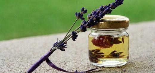 uleiul-esential-de-lavanda-parfumeaza-ti-casa-in-mod-natural