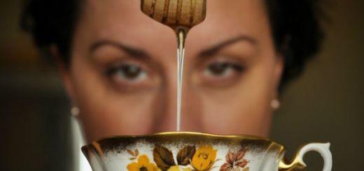 Mit sau adevar Este sau nu toxica mierea incalzita