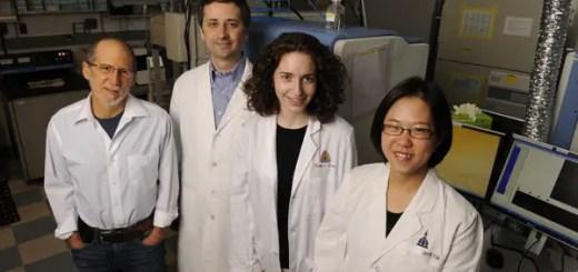 Echipa condusa de un roman a creat un test care descopera cancerul inainte de aparitia simptomelor