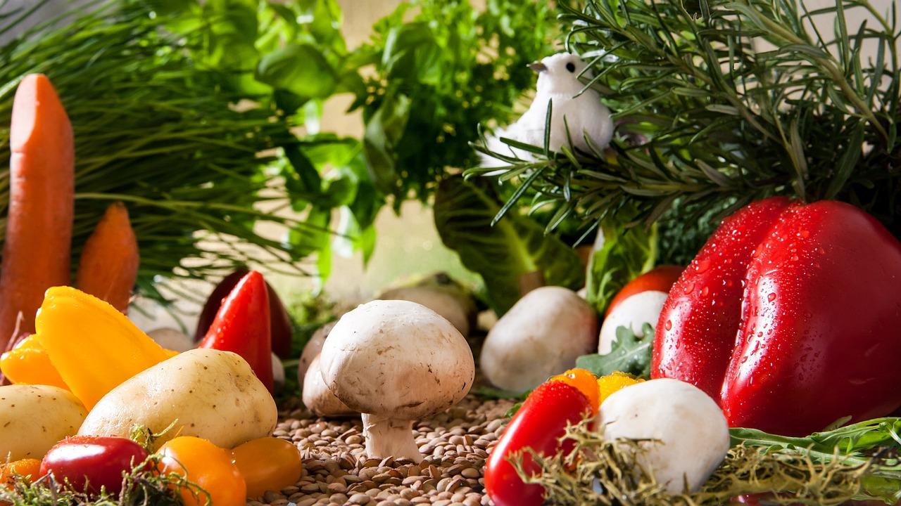 Stii ce mananci? Reteta simpla utilizata de producatorii de fructe si legume bio din Romania