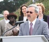 Mayor Ed Lee announces full funding of GoSolarSF program 022113
