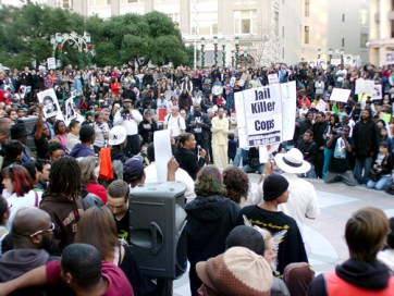 Oscar Grant City Hall rally Desley Brooks demands DA Orloff resign 011409 by Dave Id, IndyBay
