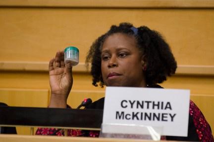 UN Meeting on Palestine, Cynthia McKinney shows vial Gaza soil 042913 by Yosuke Kobayashi, web