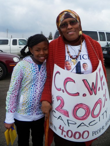 Chowchilla Freedom Rally 'CCWF is at 200 capacity w 4,000 people inside' 012613 by Wanda, web