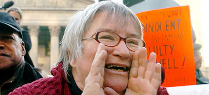 Ralph Poynter, Lynne Stewart shouting, smiling