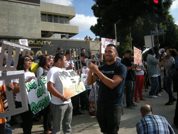 A large, loud, youth-led rally celebrating the launch of the Agreement to End Hostilities was held outside the LA County Jail on the day the agreement took effect, Oct. 10, 2012. – Photo: Virginia Gutierrez