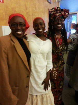 """Go Tell It!"" playwright Taiwo Kujichagulia Seitu, her twin singer Kehinde, and their mother, djialli (griot) P. Kujichagulia, were at their first show of the season, performed a few weeks ago in the performance theater at Skyline High in Oakland. – Photo: JR Valrey, Block Report"