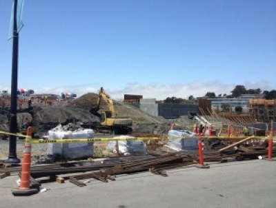 Lennar's construction of it first 88 condos at the Hunters Point Shipyard, renamed The Shipyard by Lennar, was underway in June 2014. If potential buyers knew the dangers of the chemical and radiological toxins in the soil, would they pay a half million dollars to live there? – Photo: SF Curbed