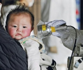 Of the 400,000 children living near Fukushima on March 11, 2011, when the earthquake and tsunami caused the meltdown of the Dai-ichi nuclear plant, a survey in July 2012 found 36 percent with abnormal thyroid growths. – Photo: Kyodo-Reuters