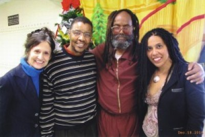 Heidi Boghosian, Keith Cook and Johanna Fernandez visit Mumia on Dec. 18, 2014. Note that Mumia does not look as strong here, four months ago, as he did two years ago in the previous photo.