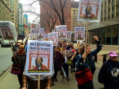 """New Yorkers turned out to march for Mumia, demanding """"No execution by medical neglect! Free Mumia!"""" on April 3. – Photo: Ashoka Jegroo, WNV"""