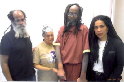 Mumia was gravely ill when Johanna, with Abdul Jon and Pam Africa, visited him on April 6, 2015.
