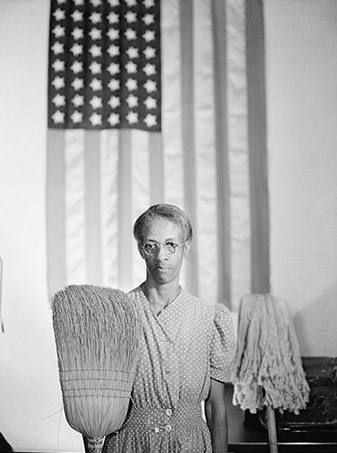 """American Gothic,"" Ella Watson, charwoman at the Farm Service Administration, 1942 – Photo: Gordon Parks"
