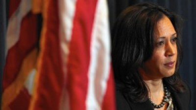 California Attorney General Kamala Harris holds a press conference after the LA Police Protective League endorsed her U.S. Senate bid. – Photo: Irfan Khan, Los Angeles Times
